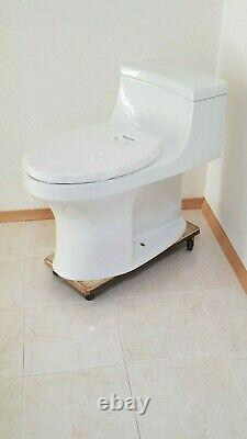 Kohler San Souci One Piece Toilet Model K-5172-0 Used less than 5 days