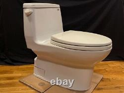 Toto One Piece Toilet (BEST OFFER, PLEASE BID) Carlyle is the style